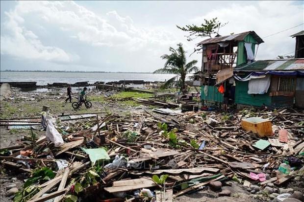 Al menos 16 muertos en Filipinas por tifon Phanfone hinh anh 1