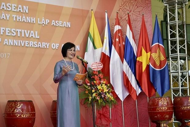Diplomaticas de Vietnam y Laos coordinan acciones dentro de comunidad ASEAN hinh anh 1