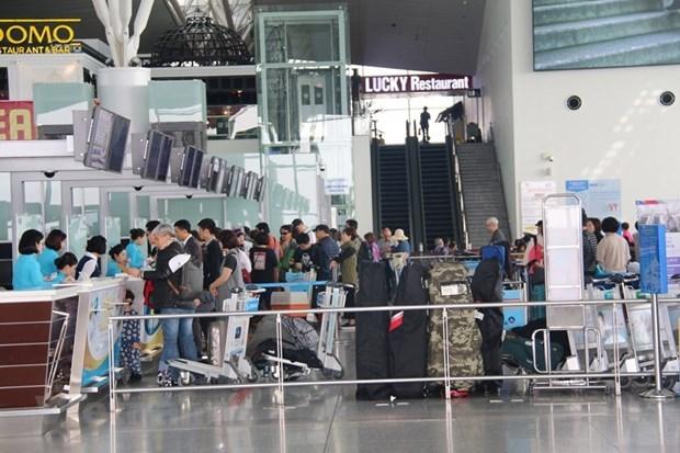 Registraran gran concurrencia al aeropuerto de Hanoi en dias feriados hinh anh 1