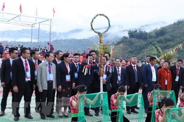 Nutrida participacion en Festival tradicional de distritos fronterizos de Vietnam, Laos y China hinh anh 1