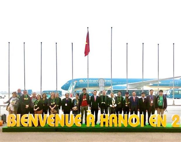 Recibe Hanoi al primer turista extranjero del ano hinh anh 1