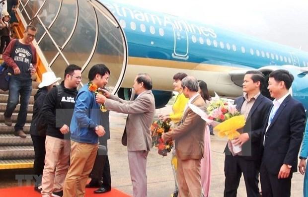 Vietnam Airlines recibe a los primeros pasajeros del Ano Nuevo hinh anh 1