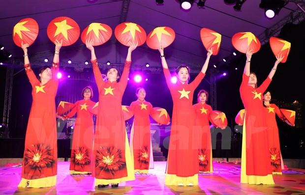 Reconocen aportes de vietnamitas en Hong Kong y Macao al avance de pais de origen hinh anh 1