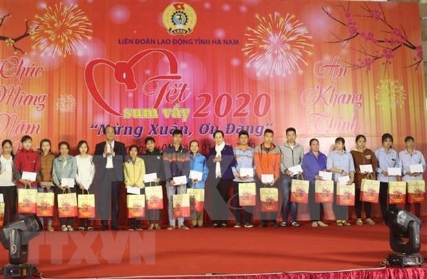 Fortalecen actividades en apoyo a trabajadores vietnamitas en visperas del Ano Nuevo Lunar 2020 hinh anh 1