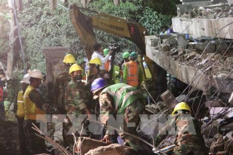 Arrestan a propietarios del colapso de edificio derrumbado en provincia camboyana hinh anh 1