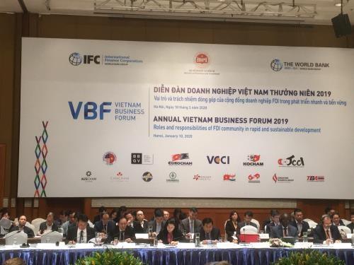 Inauguran Foro Empresarial de Vietnam en Hanoi hinh anh 1