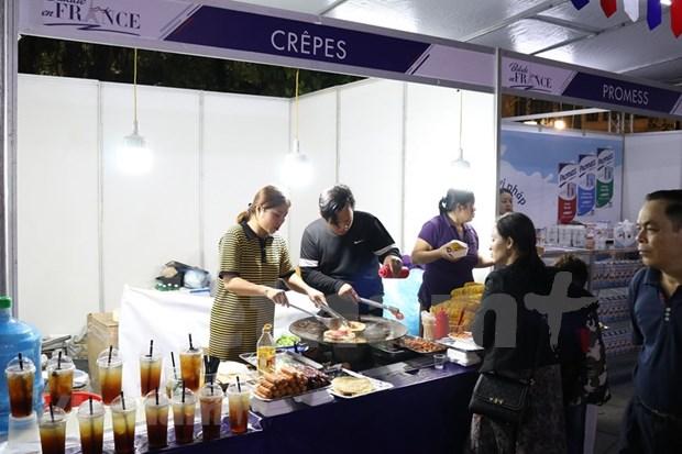 Acoge Hanoi mayor fiesta de gastronomia de Francia en Vietnam hinh anh 1