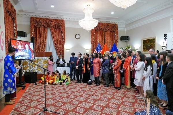 Celebran vietnamitas en Estados Unidos y Tailandia fiestas por Ano Nuevo Lunar 2020 hinh anh 1