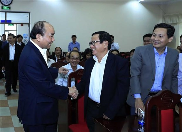 Premier de Vietnam exhorta a estimular progreso economico de region central hinh anh 1