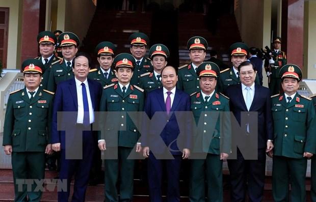 Premier de Vietnam supervisa disposicion combativa de fuerzas armadas en el Tet hinh anh 1