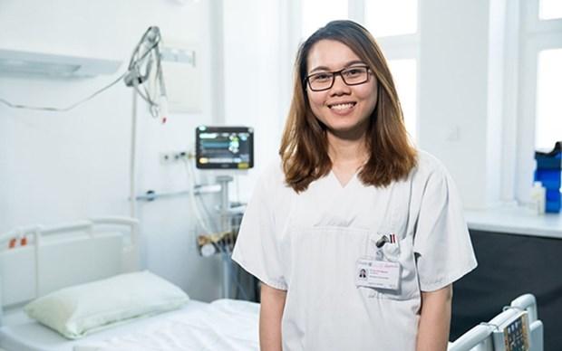 Mas de mil enfermeros vietnamitas estudian y trabajan en Alemania hinh anh 1
