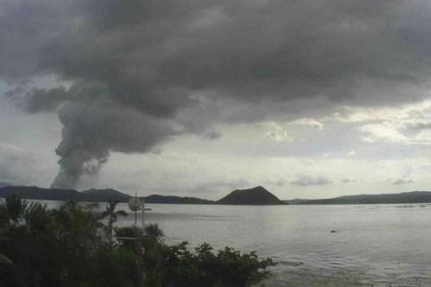 Filipinas advierte de posible explosion de lava por semanas del volcan Taal hinh anh 1