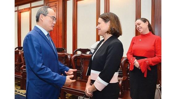 Promete Ciudad Ho Chi Minh mejores condiciones para inversores de Australia hinh anh 1