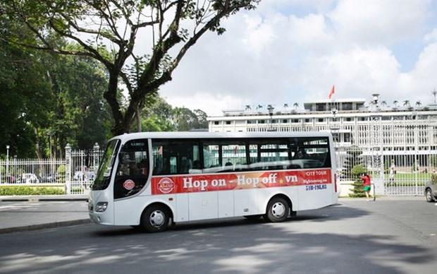 Ofrecen recorrido turistico en autobus por Ciudad Ho Chi Minh hinh anh 1