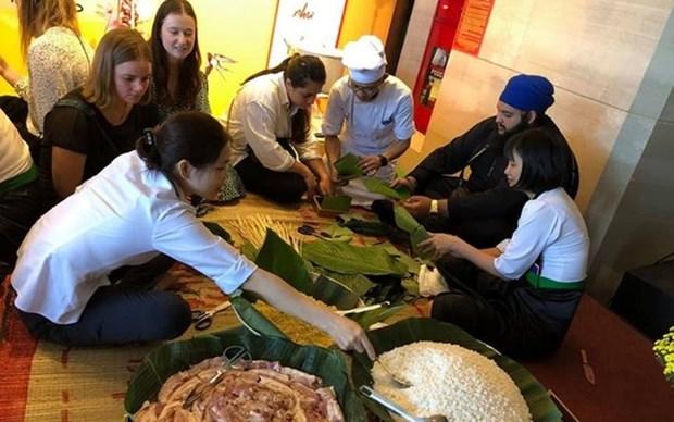 Estudiantes de Nueva Zelanda experimentan cultura y turismo vietnamitas hinh anh 1