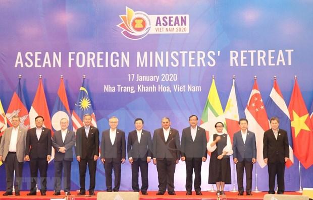 Se reunen cancilleres de ASEAN en Vietnam hinh anh 1