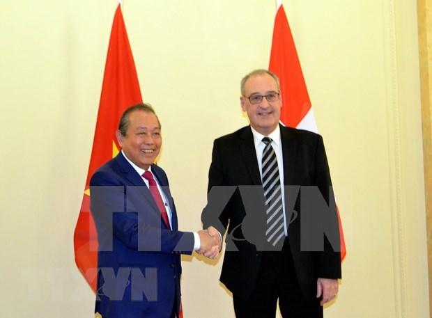 Robustecen cooperacion Vietnam-Suiza hinh anh 1