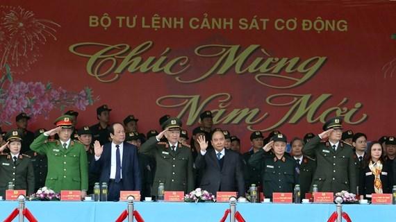 Premier vietnamita inspecciona disposicion combativa de la fuerza de respuesta rapida hinh anh 1