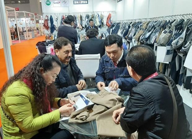 Firmas vietnamitas buscan socios textiles en India hinh anh 1