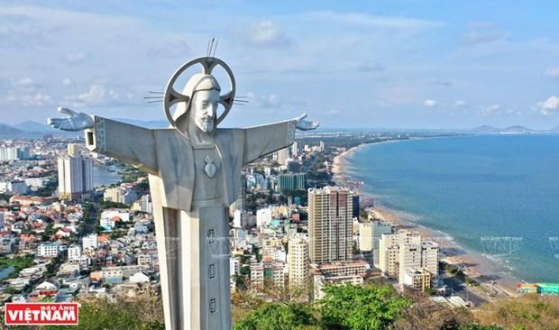 La mayor estatua de Cristo en Vietnam hinh anh 1