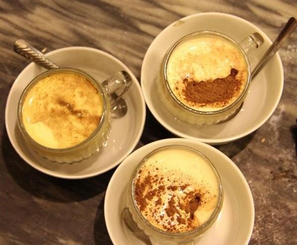 Sabroso sabor de cafe con huevo de Hanoi hinh anh 1