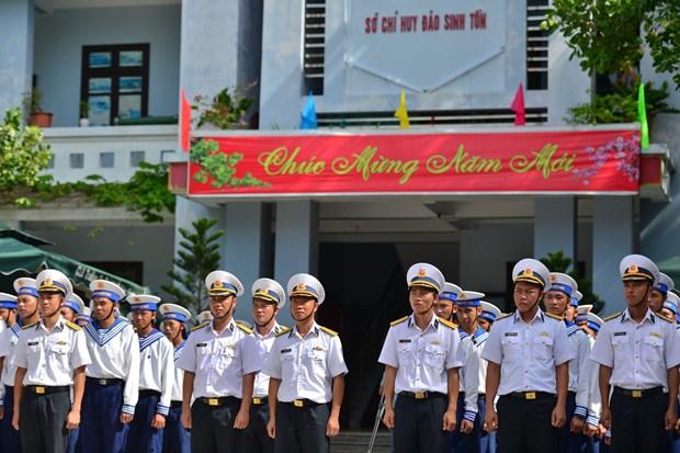 Celebran combatientes vietnamitas en Truong Sa el Tet tradicional hinh anh 1