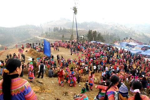 Festival Gau Tao, peculiaridad cultural de etnia Mong en Vietnam hinh anh 1