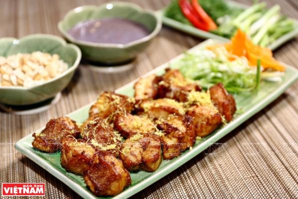Cha Ca, tipico plato de pescado en Hanoi hinh anh 1