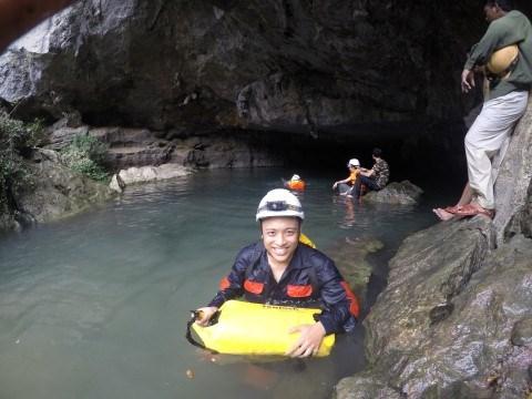 Ta Nam Long, conquistador de cuevas hinh anh 1