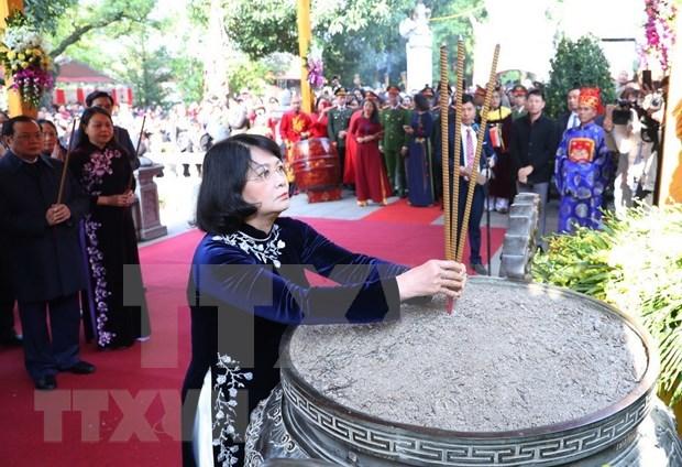 Rinde Vietnam tributo a heroinas de lucha contra invasion extranjera hinh anh 1