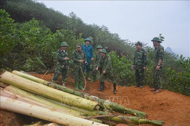 Destruyen en Vietnam bomba lanzada por Estados Unidos durante la guerra hinh anh 1