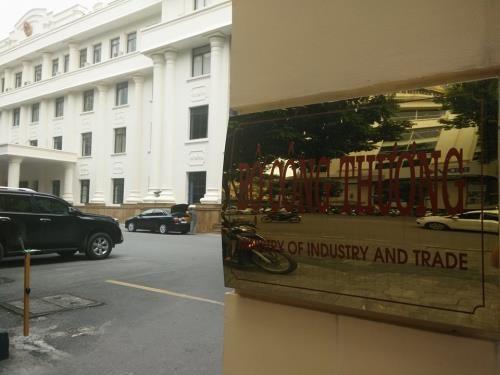 Entregan a la Embajada de China en Vietnam equipos preventivos del coronavirus hinh anh 1