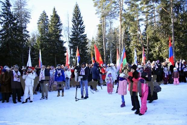 Participa Embajada de Vietnam en Rusia en los Juegos Diplomaticos de Invierno hinh anh 1