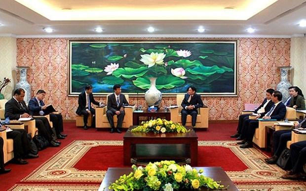 Intercambian Vietnam y Camboya experiencias en seguridad vial hinh anh 1