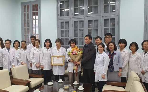 Vietnam honra a grupo investigador por cultivo de nuevo coronavirus hinh anh 1