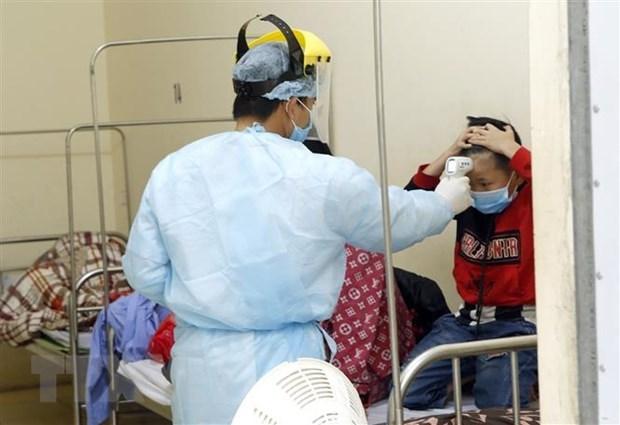 COVID-19: Bebe vietnamita de tres meses muestra senales de recuperacion hinh anh 1