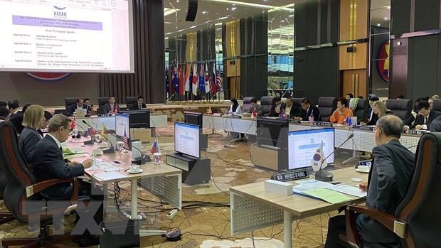 Preside Vietnam reunion de embajadores de paises miembros de EAS hinh anh 1
