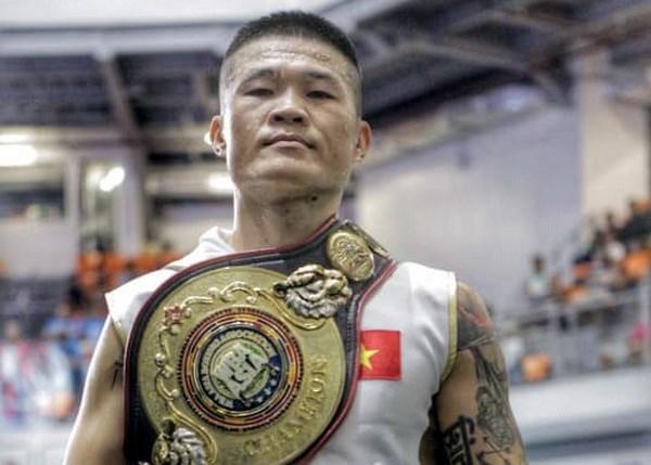 Conquista boxeador vietnamita cinturon de peso supermediano en campeonato asiatico hinh anh 1