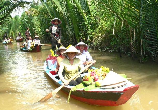 Disminuye arribo de turistas en el delta del rio Mekong en Vietnam por COVID-19 hinh anh 1
