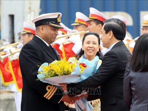 Buque britanico de reconocimiento visita ciudad vietnamita de Hai Phong hinh anh 1