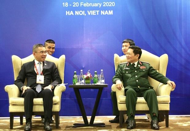 Vietnam y Tailandia impulsan cooperacion en defensa hinh anh 1
