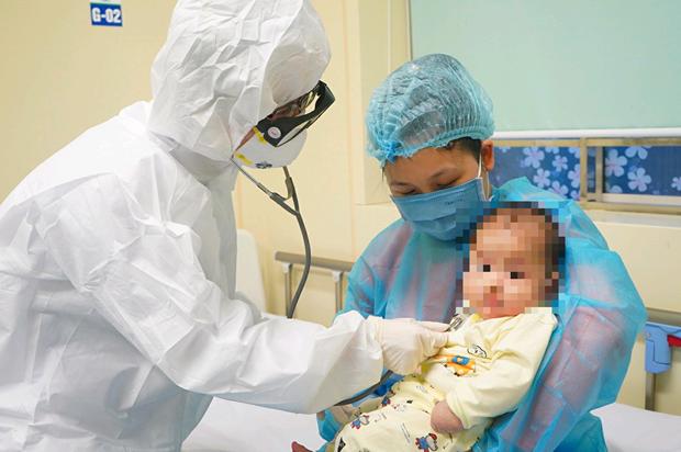 COVID-19: Curan con exito a bebe de tres meses en Vietnam hinh anh 1