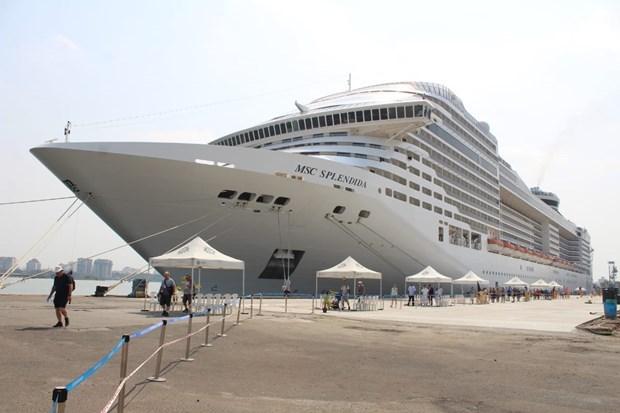 Lujoso crucero de Panama ancla en provincia vietnamita de Ba Ria-Vung Tau hinh anh 1