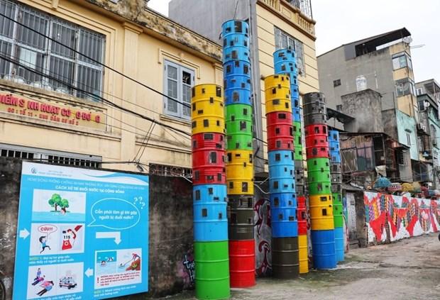 """Convierten """"basureros"""" de Hanoi en espacios artisticos hinh anh 1"""