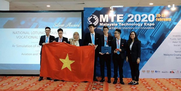 Estudiantes vietnamitas ganan medalla en concurso internacional de innovacion en Malasia hinh anh 1