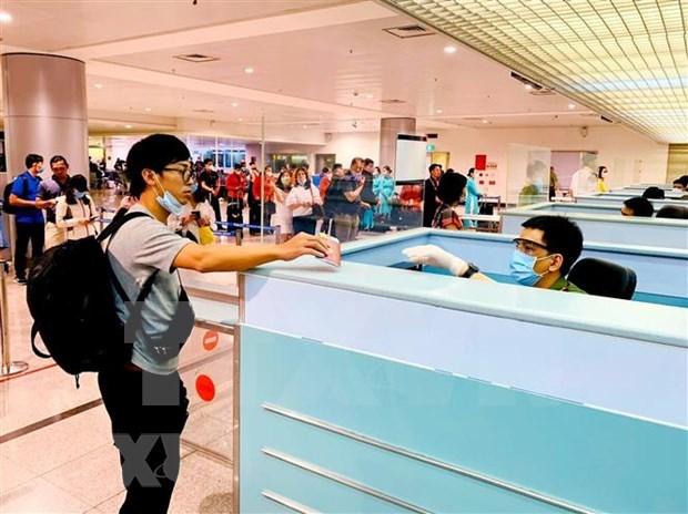Viajeros desde Corea del Sur deben realizar declaraciones medicas antes de entrar en Vietnam hinh anh 1