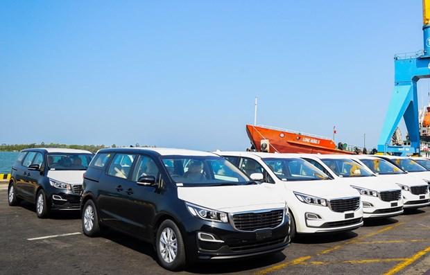 Empresa vietnamita exporta por primera vez automoviles turisticos a Tailandia hinh anh 1
