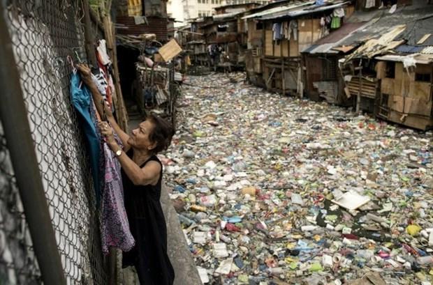 Filipinas prohibe productos plasticos de un solo uso en oficinas gubernamentales hinh anh 1
