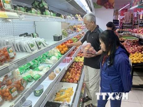 Crecen ingresos por ventas minoristas y servicios de Vietnam hinh anh 1