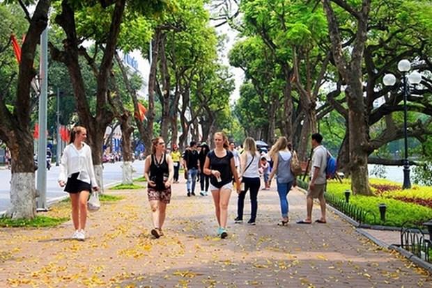 Crece numero de turistas de Europa a Hanoi en febrero hinh anh 1